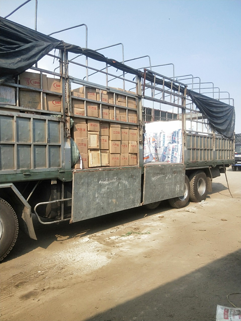 Chuyển hàng hóa đi Lào nhanh