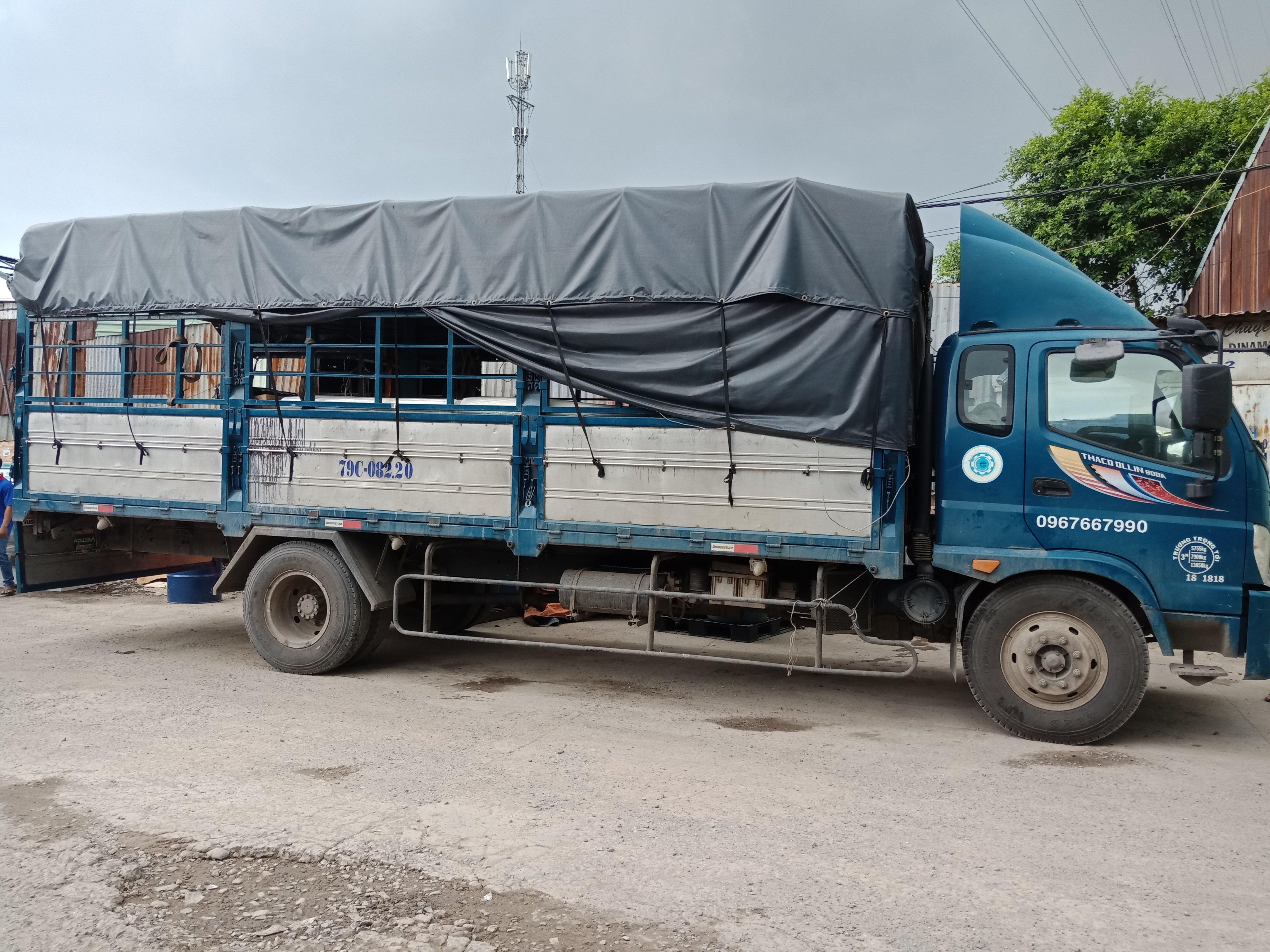 Các loại xe dùng đê vạn chuyển hàng đi Attapeu