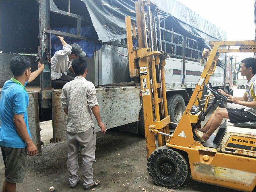 Vận chuyển hàng hóa Việt Nam đi Lào liên hệ 0969377386