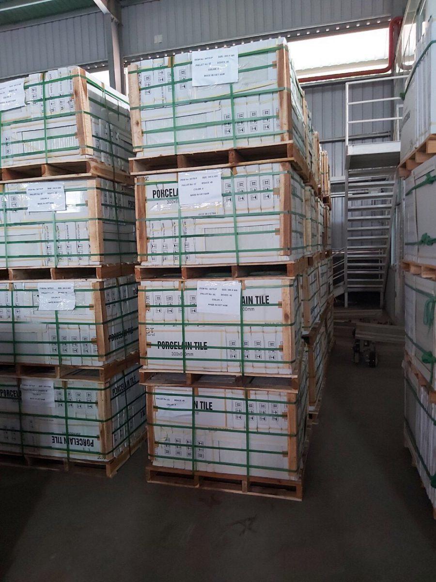 Chuyển hàng hóa đi Lào liên hệ hotline - 0969377386