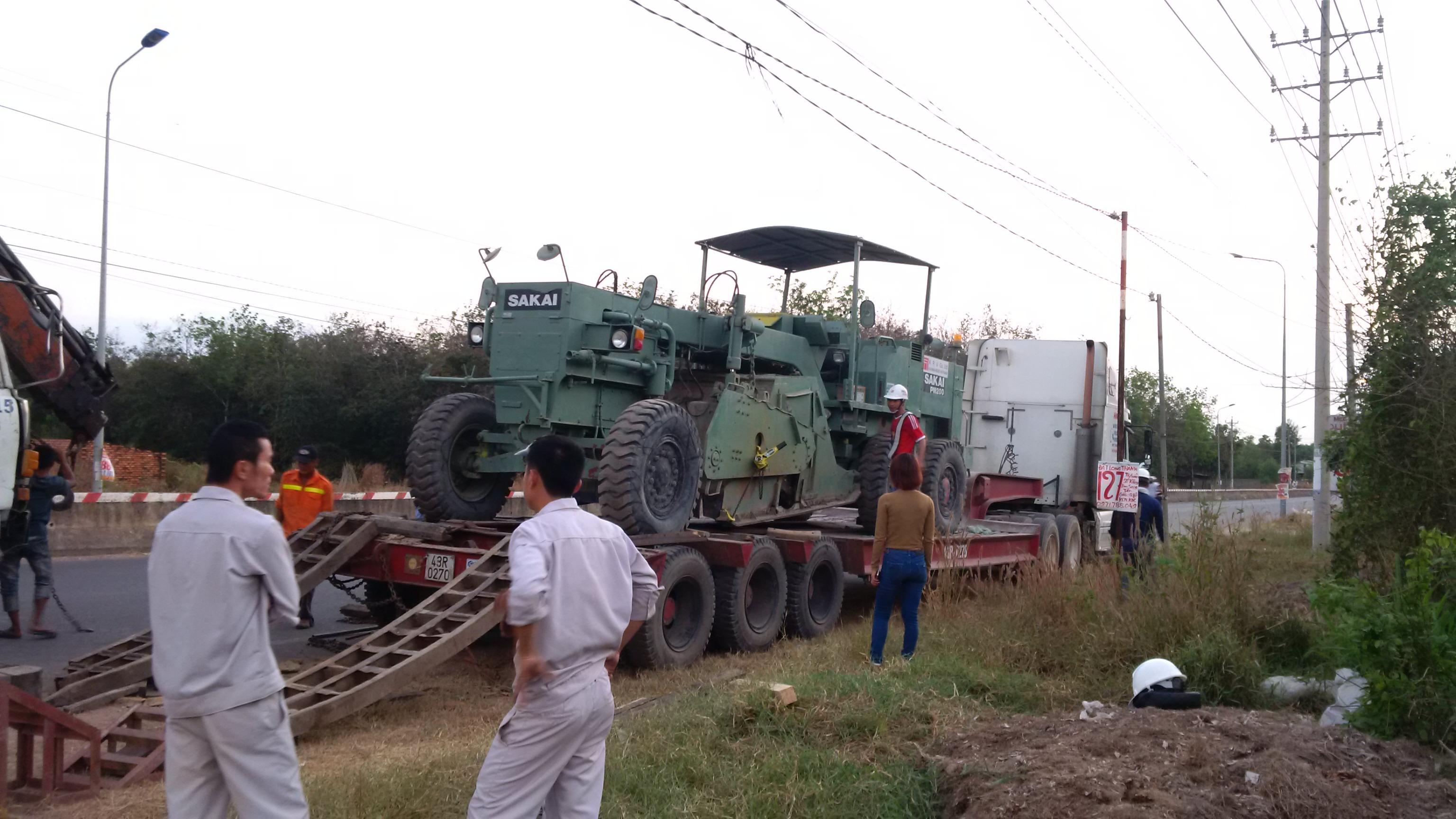 Vận chuyển máy móc sang xiang khouang