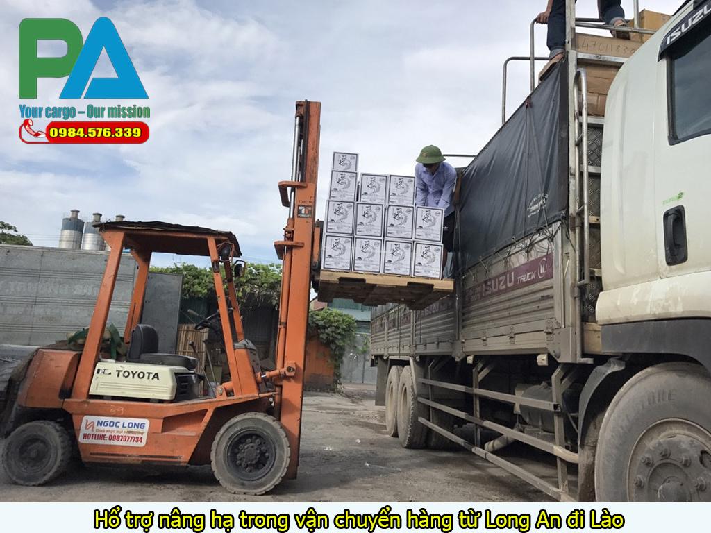 Hổ trợ nâng hạ trong vận chuyển hàng từ Long An đi Lào