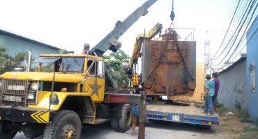 Vận chuyển hàng qua cửa khẩu Hoa Lư
