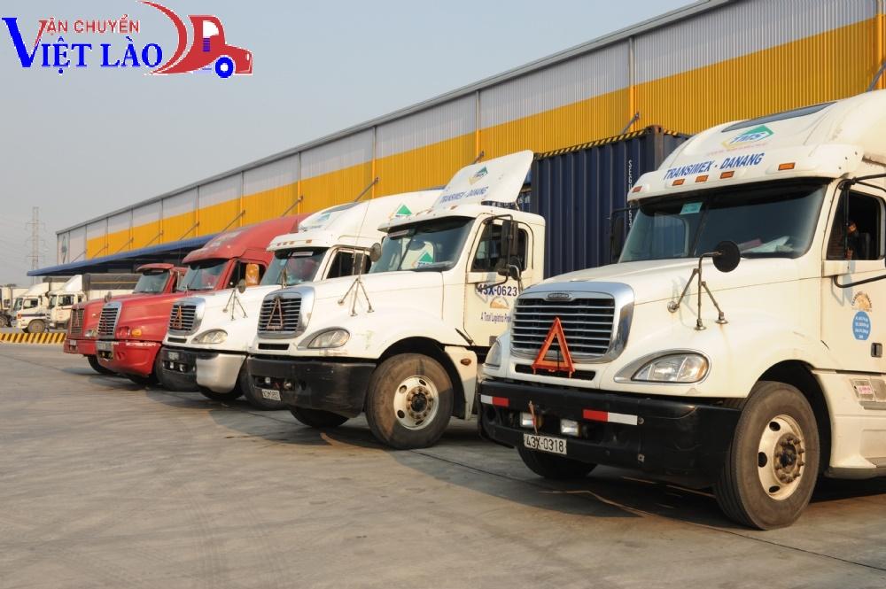 Phương tiện của nhà xe chuyển hàng hóa