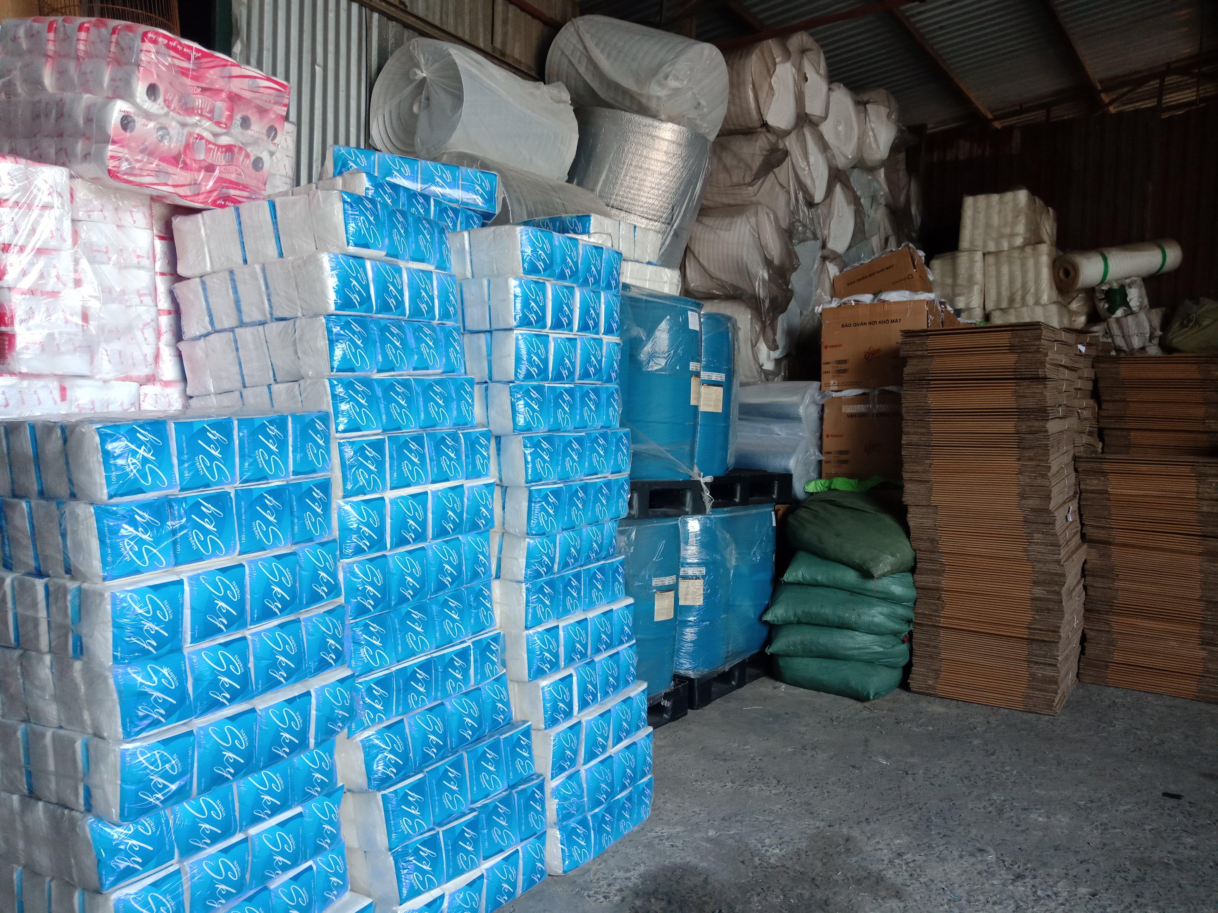 Hàng hóa được vận chuyển đi Phnom Penh