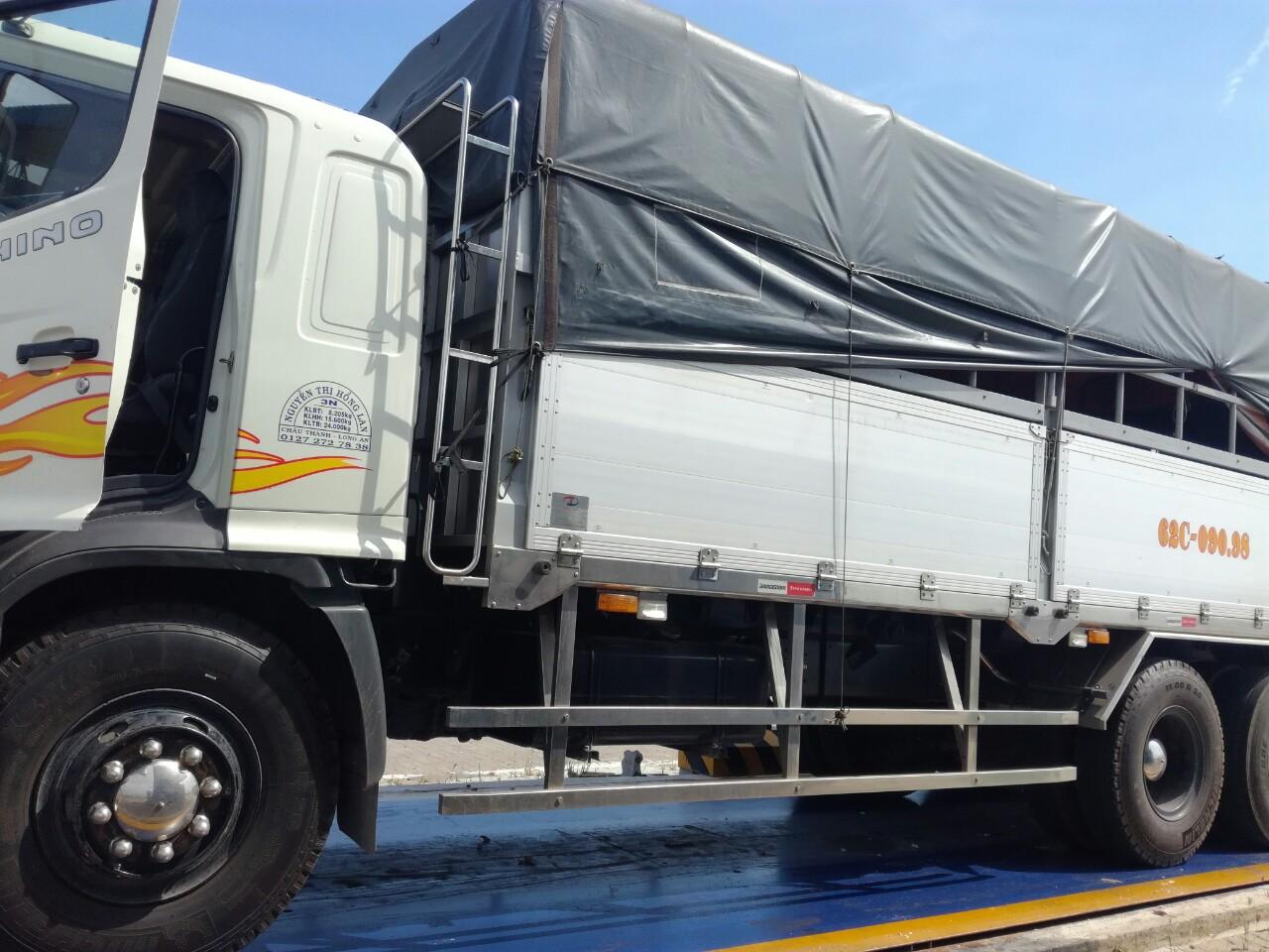 chành xe chuyển hàng lào