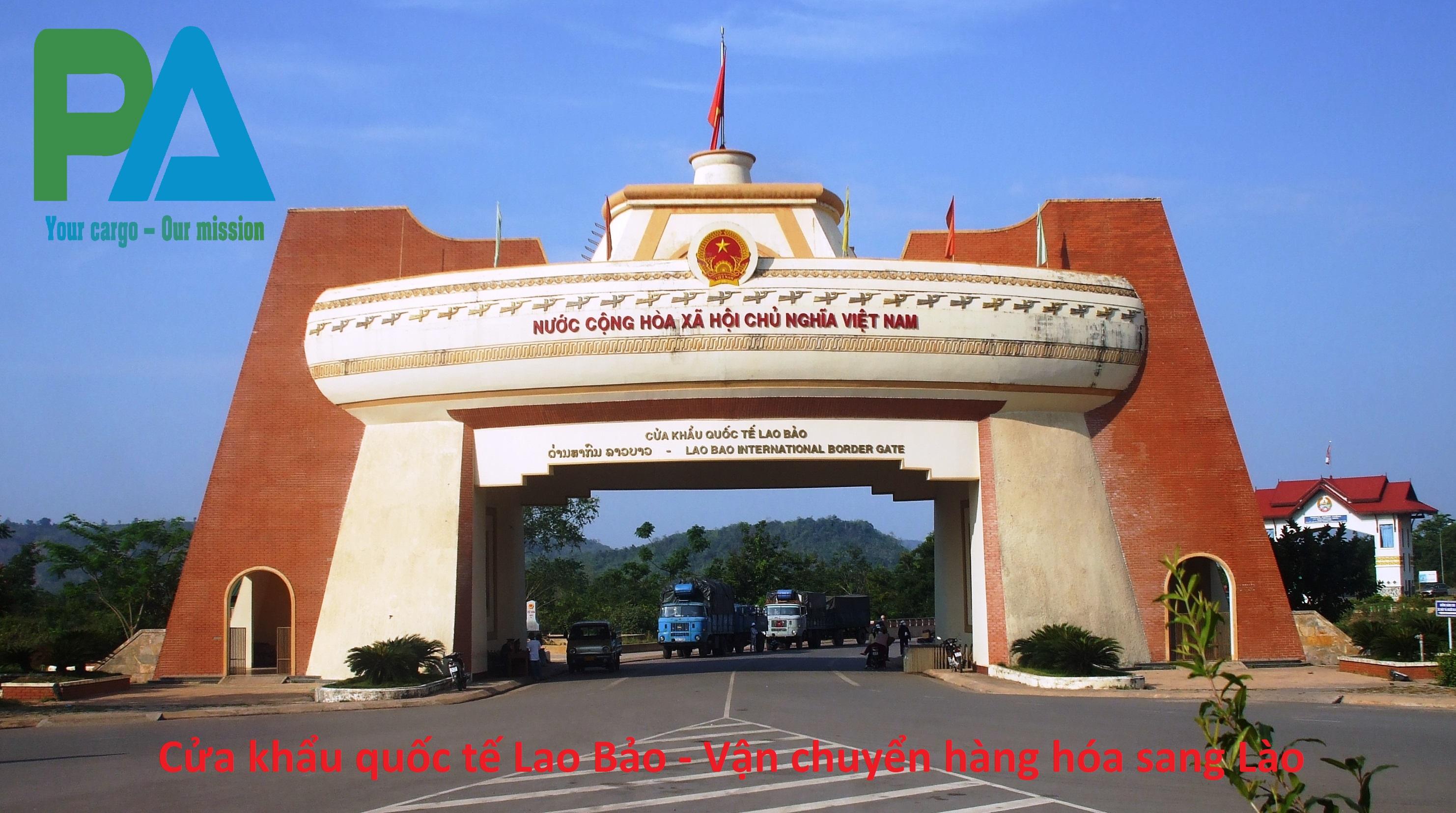 van chuyen hang ha noi di cua khau Lao Bao