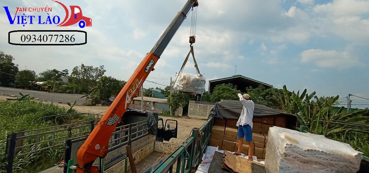 Những lý do nên chọn dịch vụ vận chuyển hàng hóa Hà Nội - Oudomxay - Nâng hạ hàng hóa