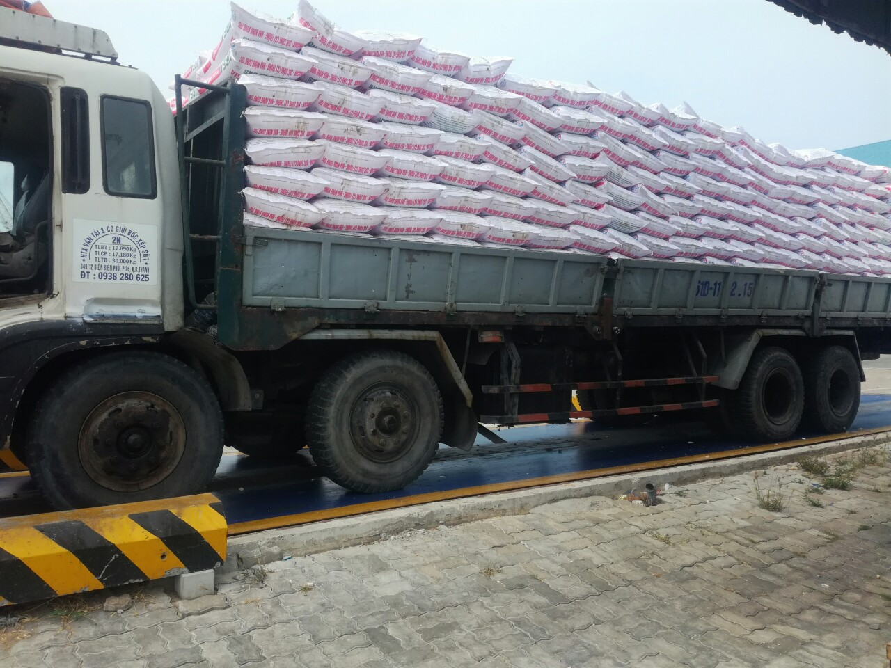 trucking service from vietnam to cambodia