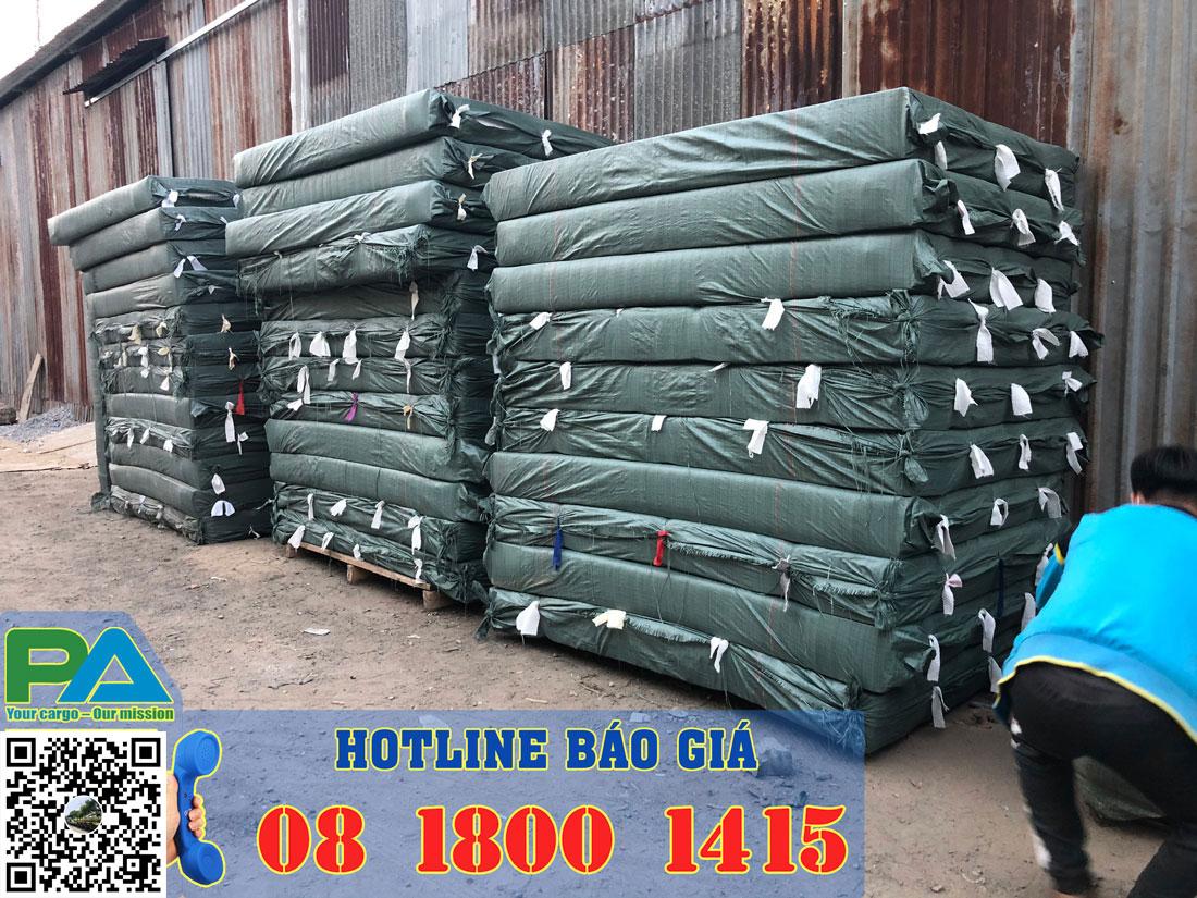 Hàng hóa tại Kho chuyển hàng đi Campuchia